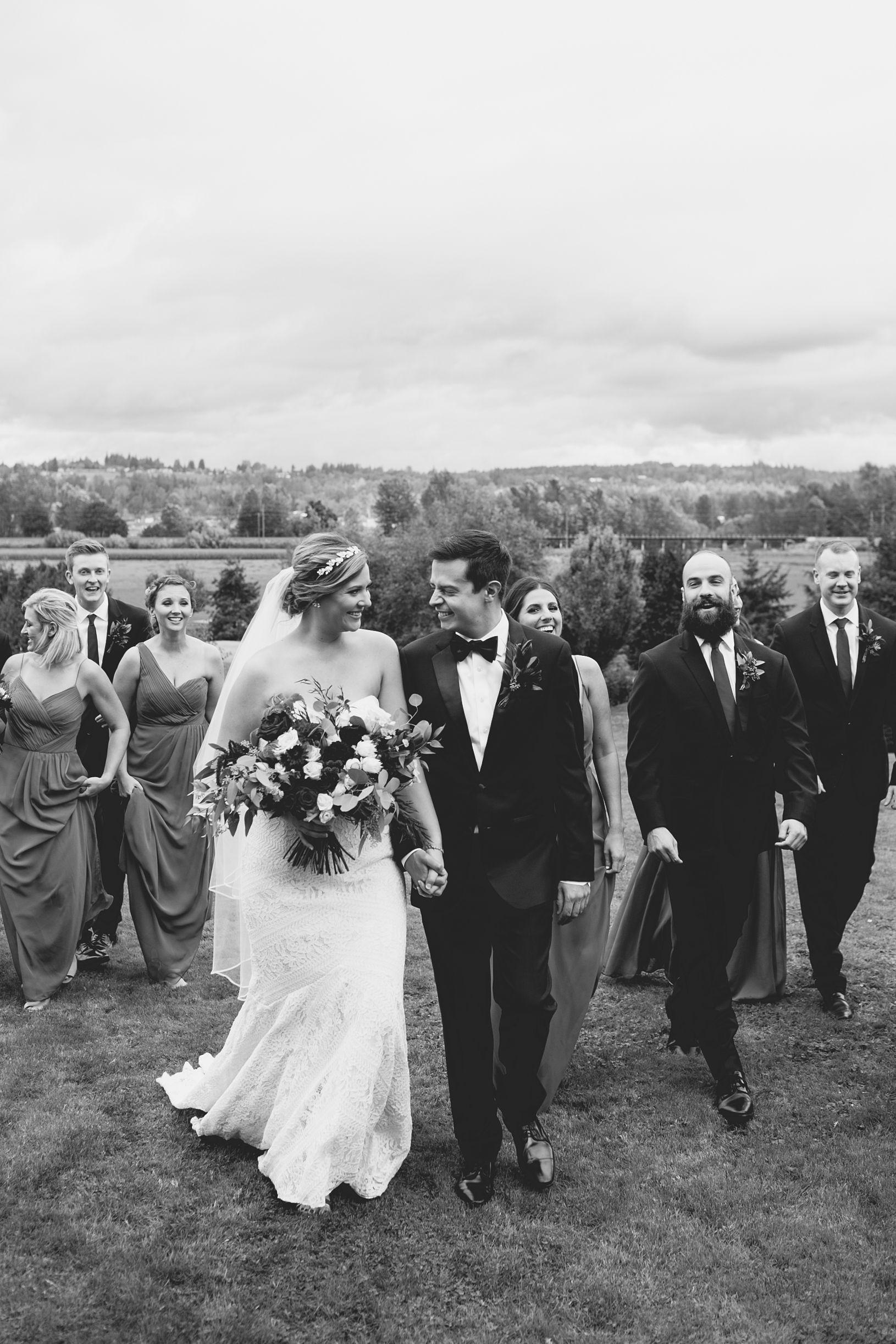 Annie_Matt_WeddingParty-24.jpg