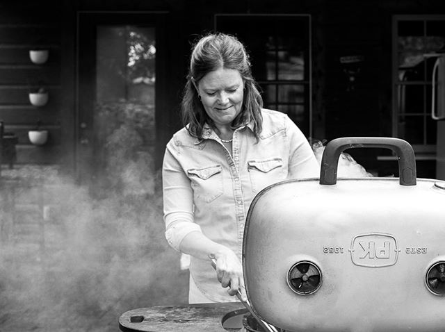 I loved getting to shoot this story for @thekitchn with @pauladisbrowe about women grilling 🔥with an emphasis on veggies on the grill.