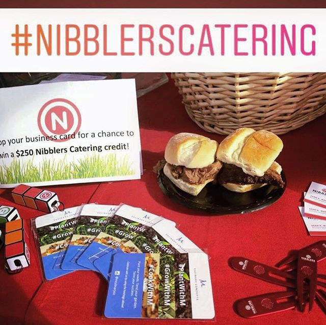 #NibblersCatering had #fun too on @azbiltmoregolf Adobe & Links courses w/ Prostate On-Site Project at Jerry Colangelo Legends 🏌🏽♂️ Tourney! Just ask @mlb ⚾️ @brewers #halloffame shortstop Robin Yount!🤩