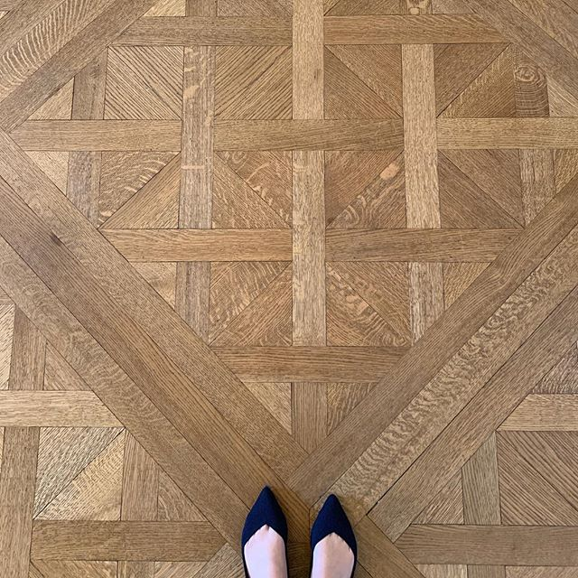 Classic Parquet Versailles is always a good idea 👌🏼 #ivegotthisthingwithfloors #stephengambleinc #parquetversailles