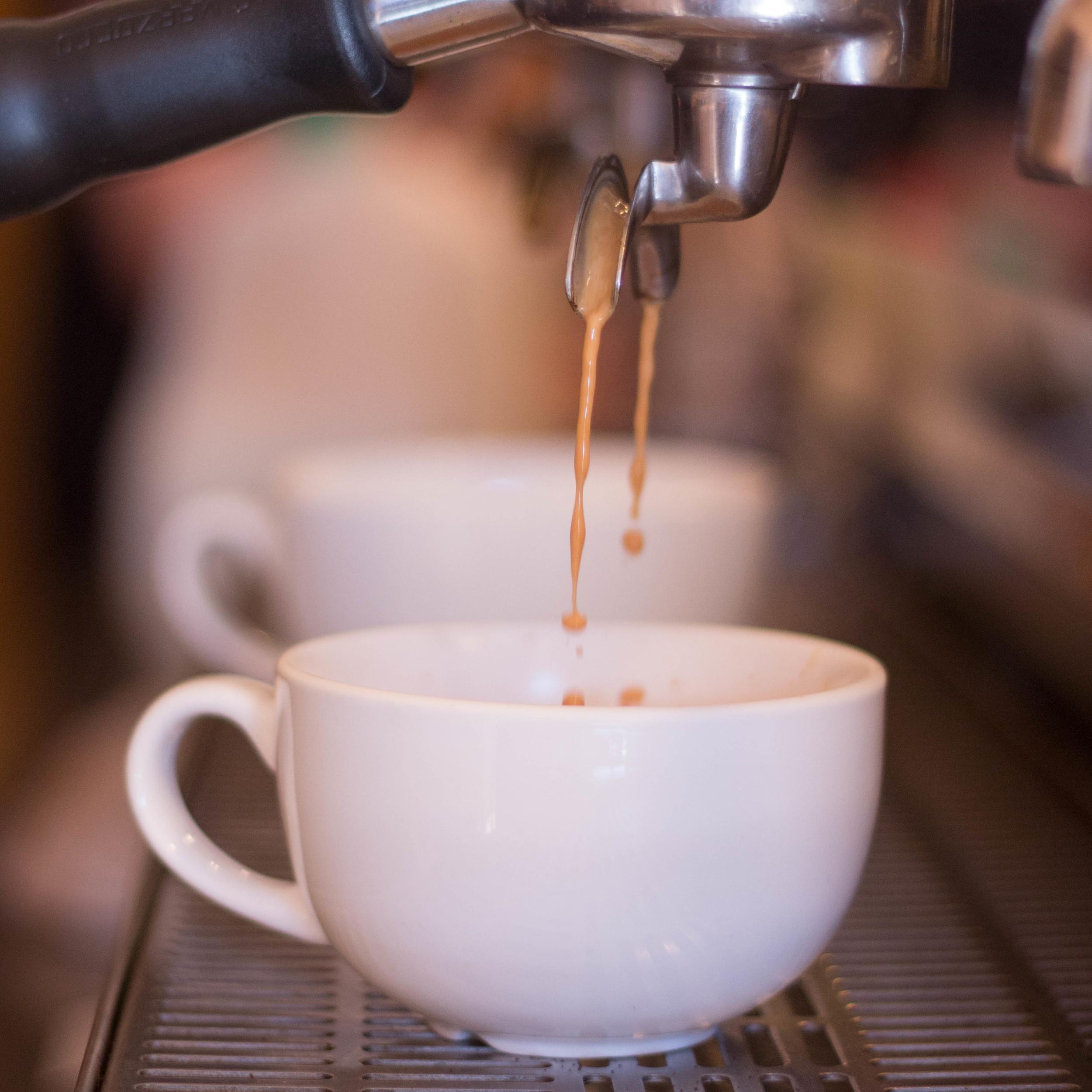 Espresso pour.jpg