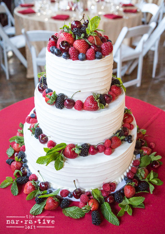 Delicious and gorgeous! Fresh berries and cake. It can't get any better.