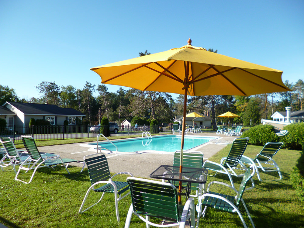Stowe Motel Pool