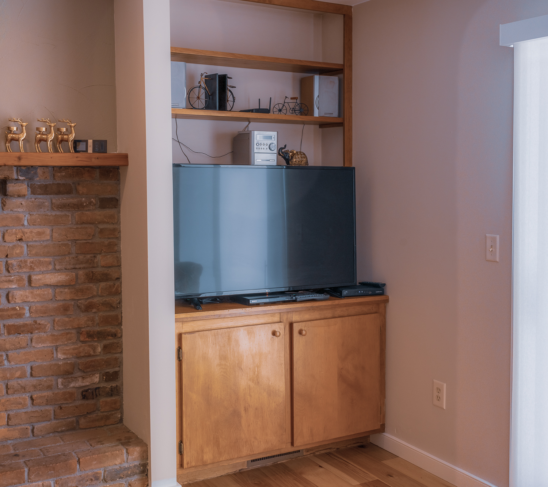 family room tv.jpg