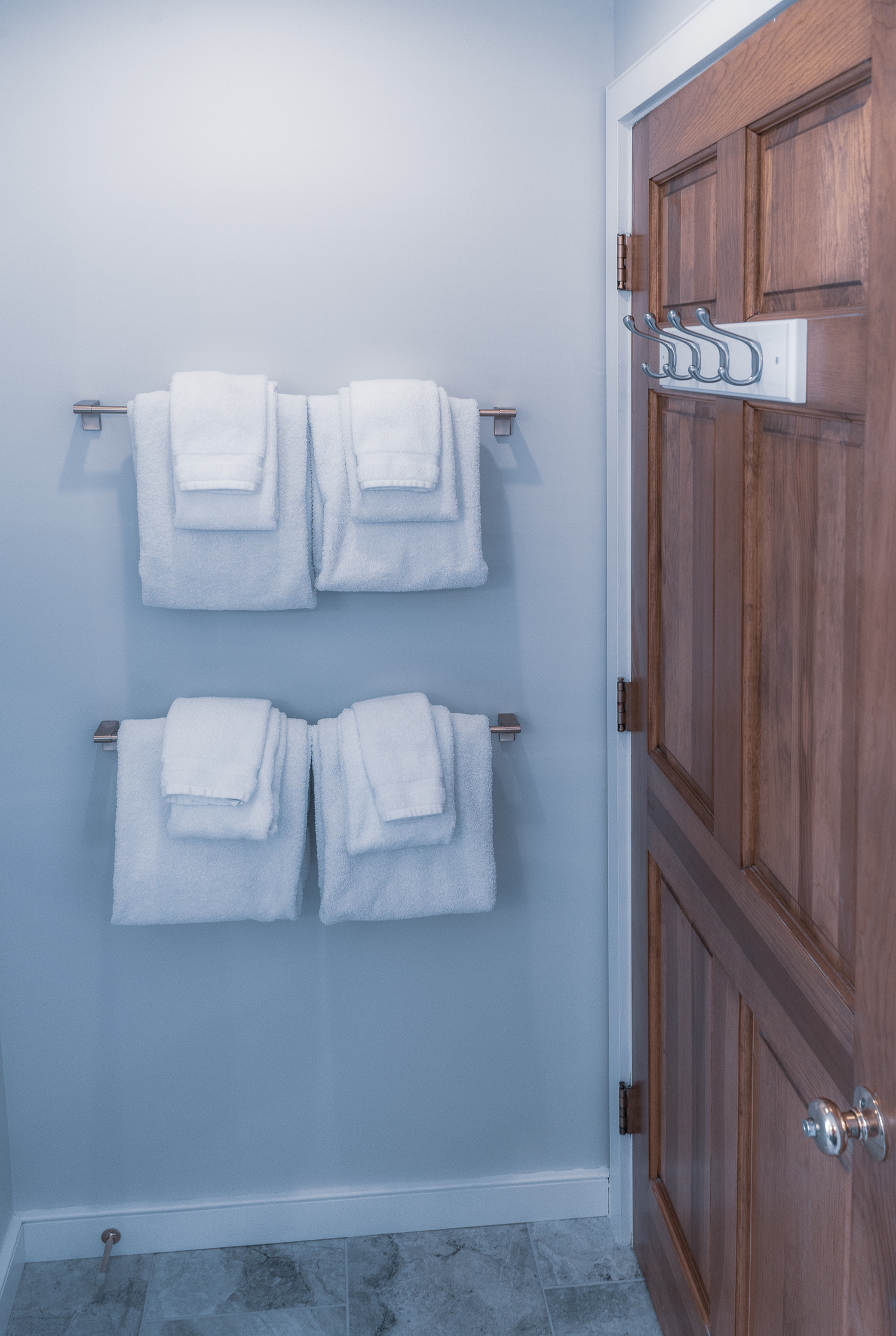 Master Bath Towels.jpg