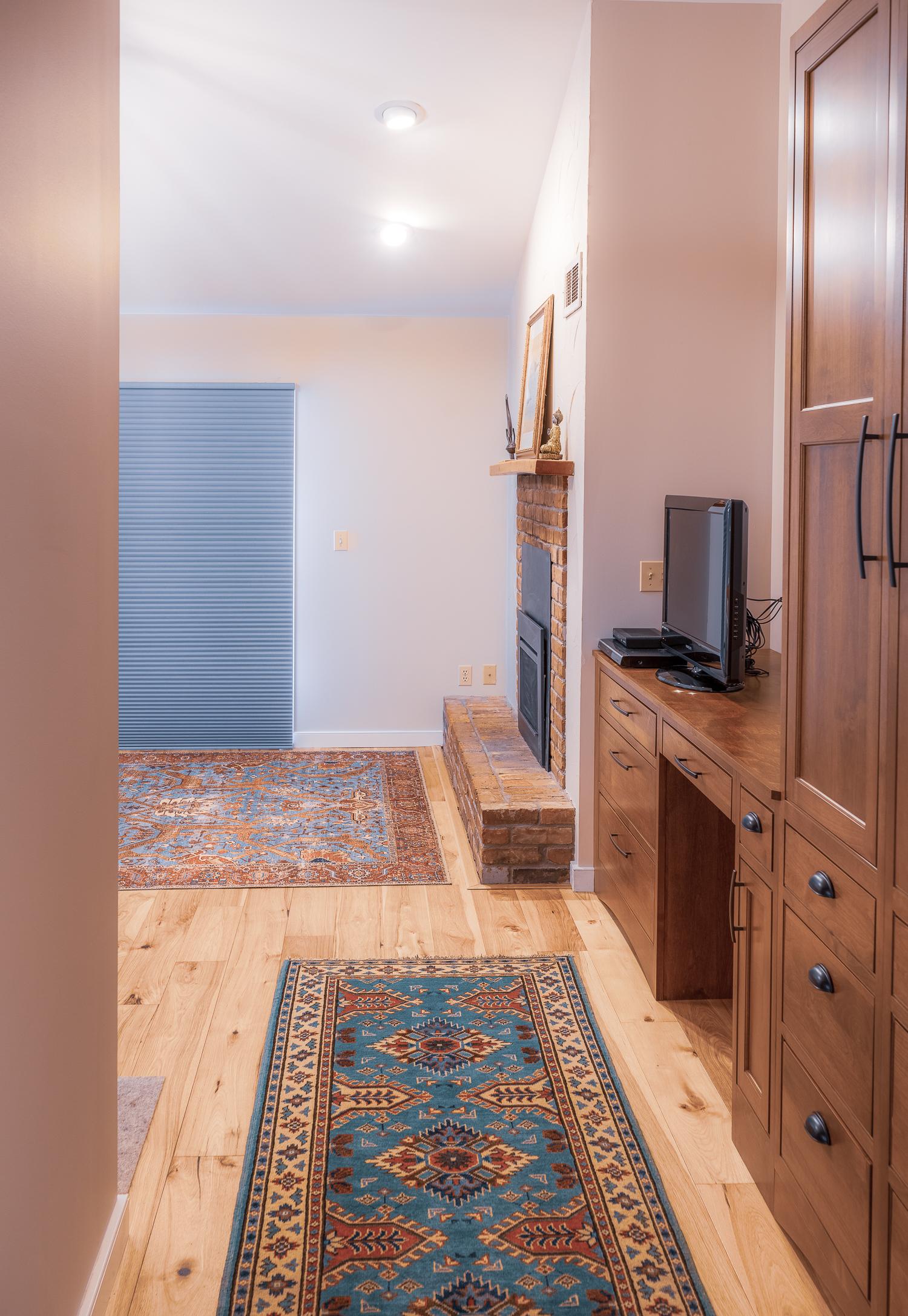 Master bedroom hallway.jpg