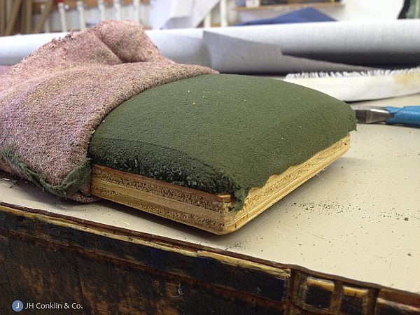 Worn kneeling pads to re-upholster
