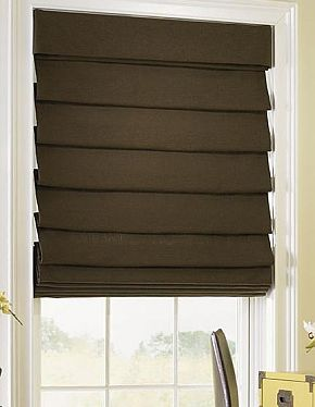 Hobbled shade with attached valance