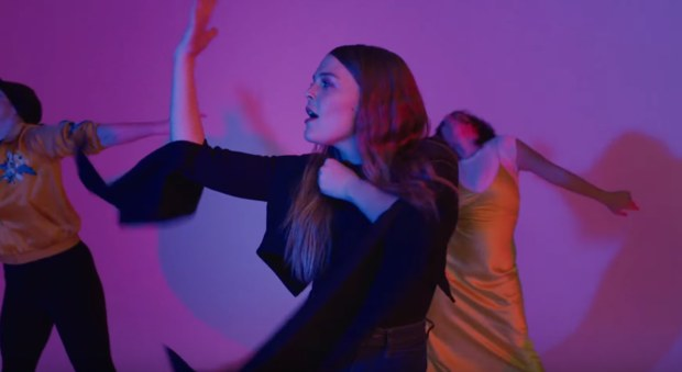 maggierogers-on-off-beelectricstudios-musicvideo-studiorental.jpg