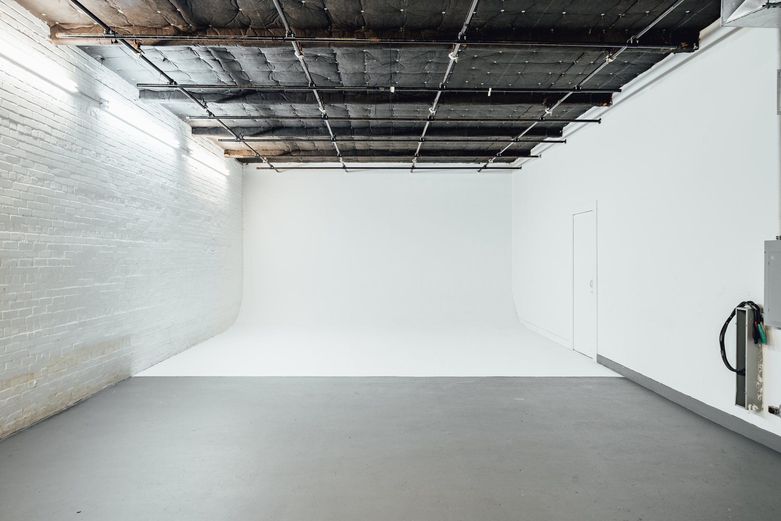 Studio 9 - Cyc.jpg