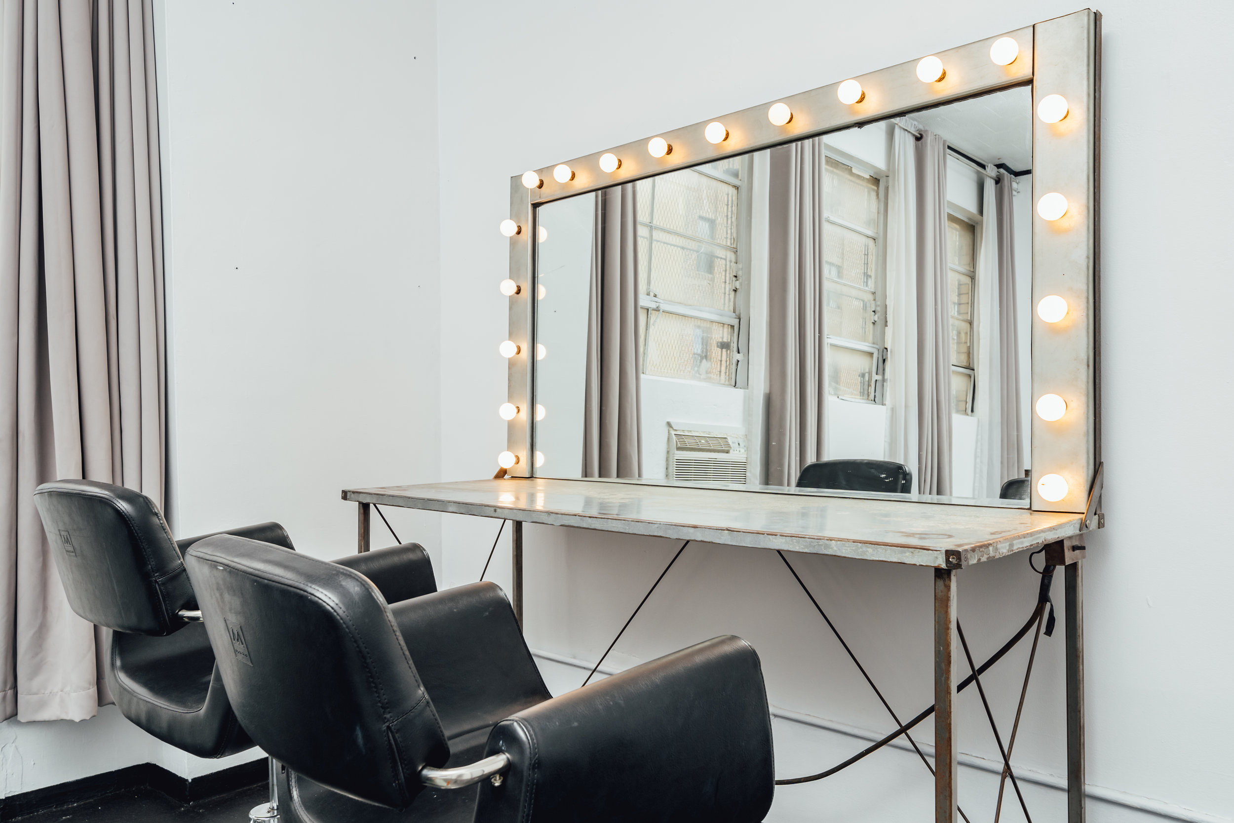 Hair and Makeup Room 2-04.jpg