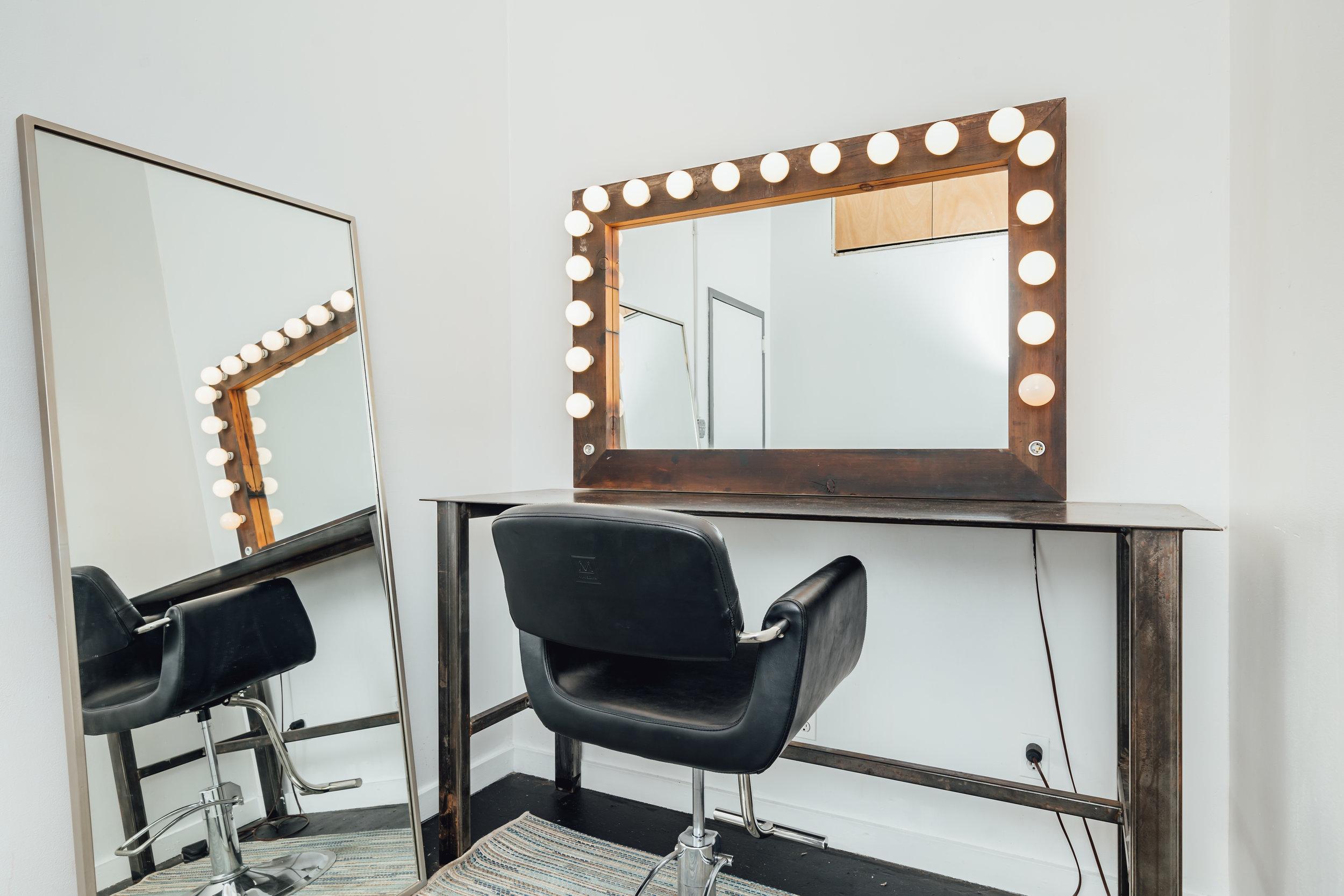 Hair and Makeup Room 2-02.jpg