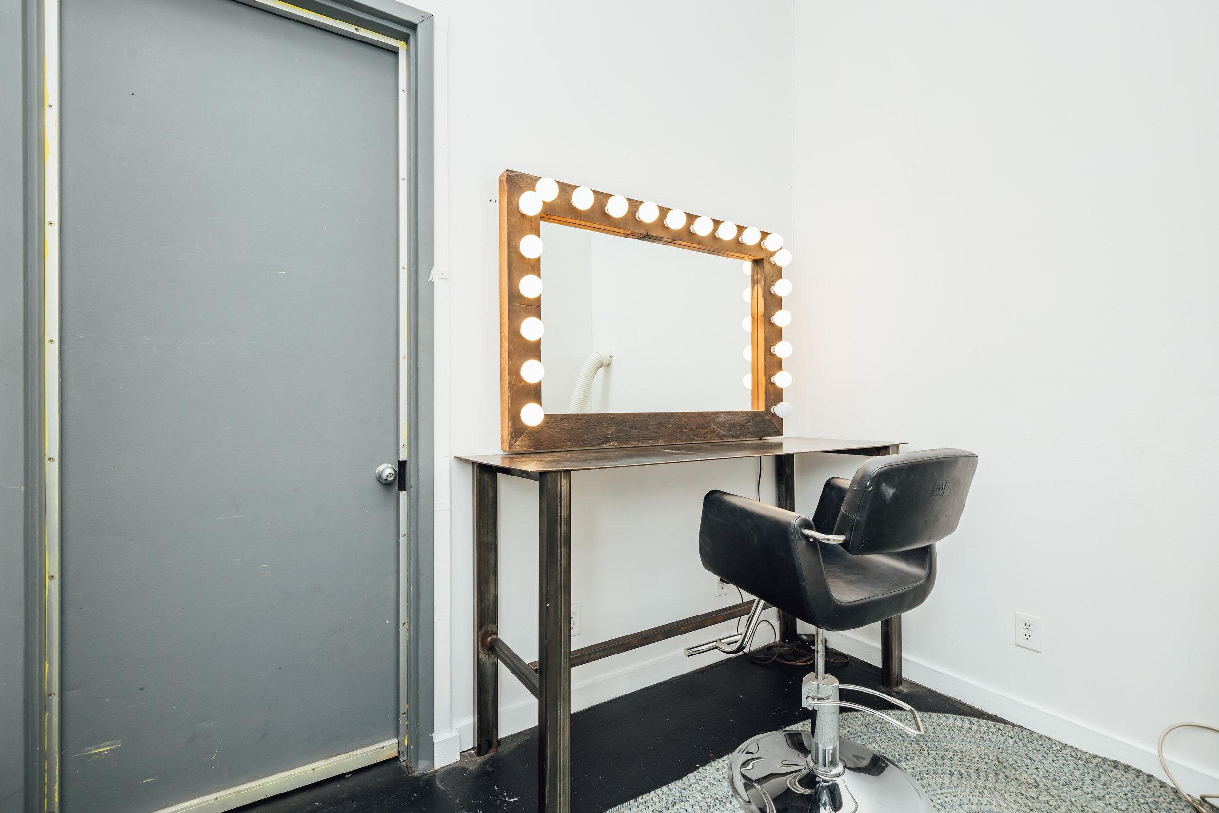 Hair and Makeup Room 1-02.jpg