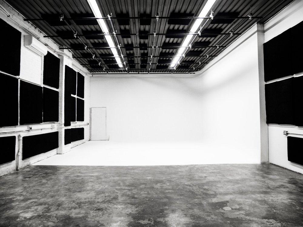 Studio 1-cyc.jpg