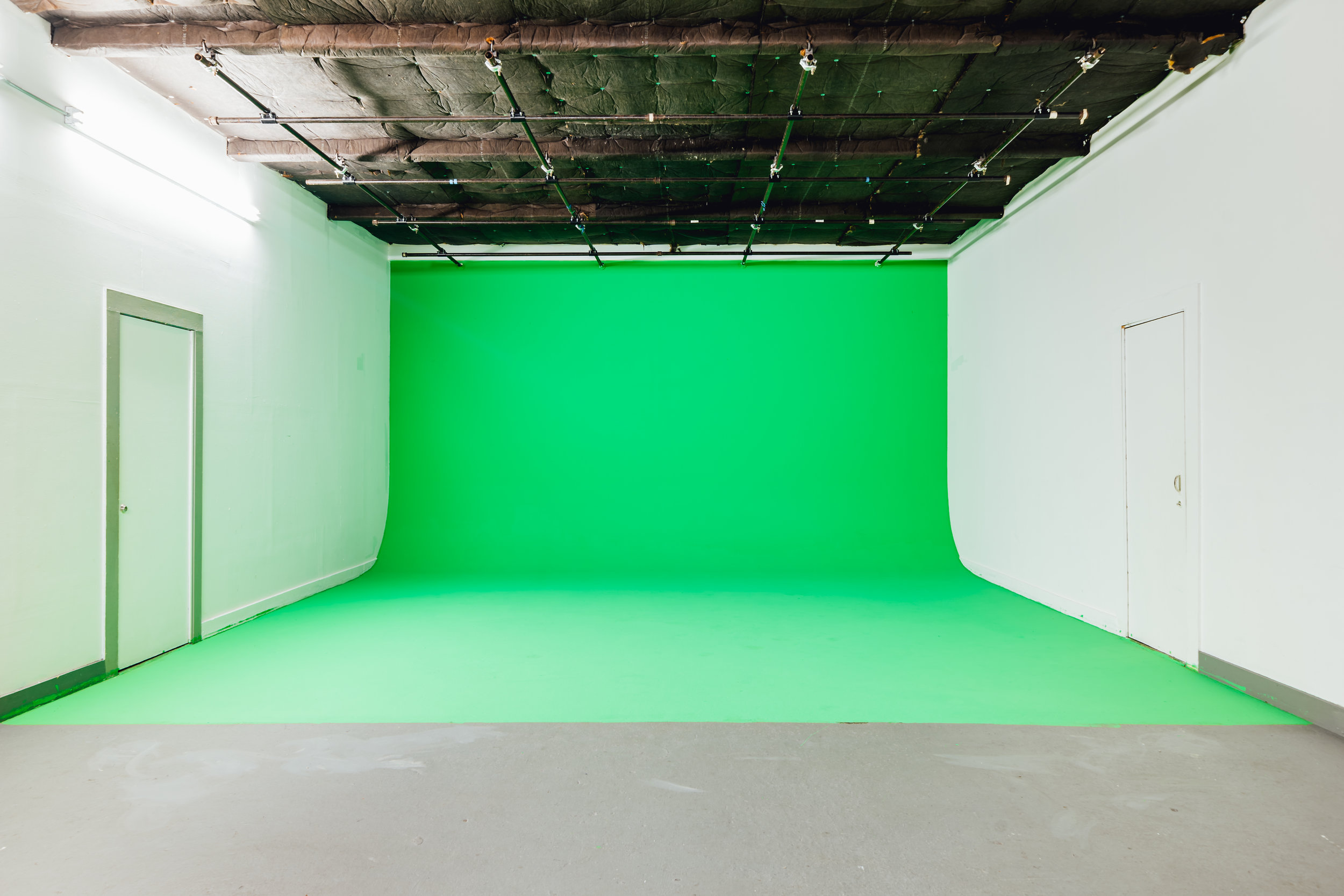 Studio 8-02.jpg