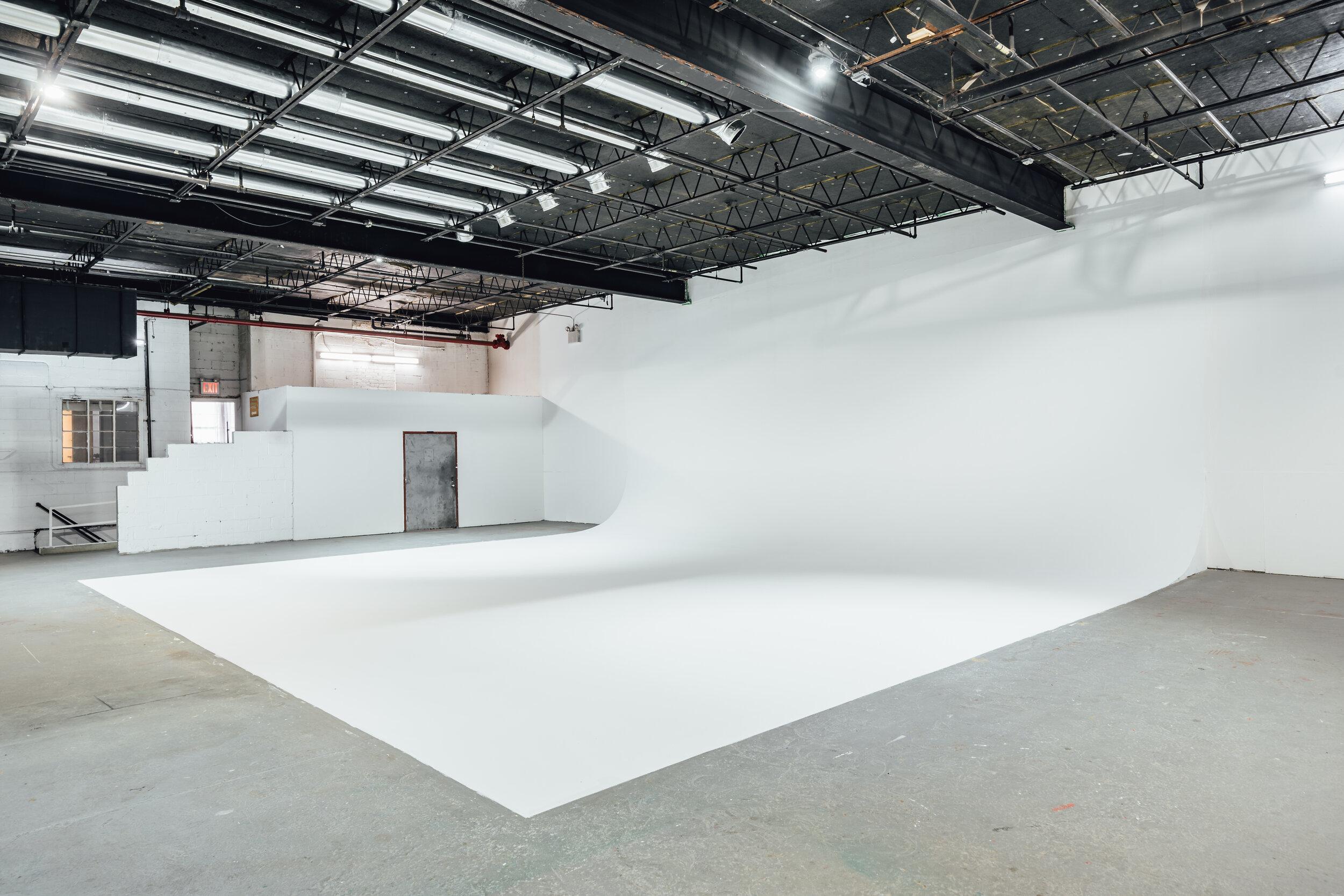 演播室5设施:12000平方英尺演播室:7200平方英尺