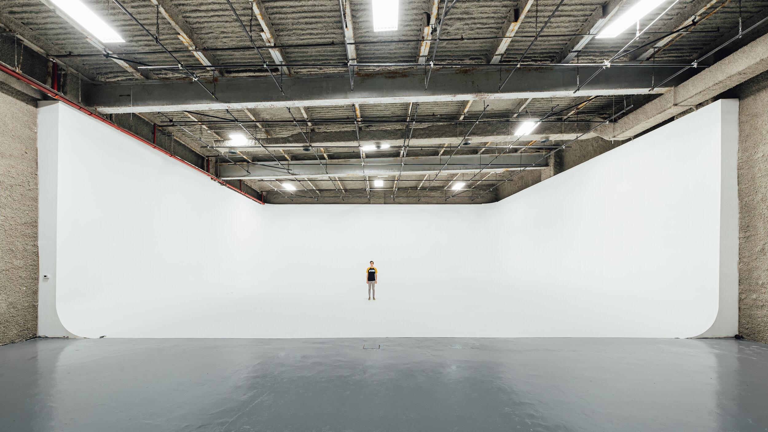 10号演播室设施:12000平方英尺演播室:9000平方英尺