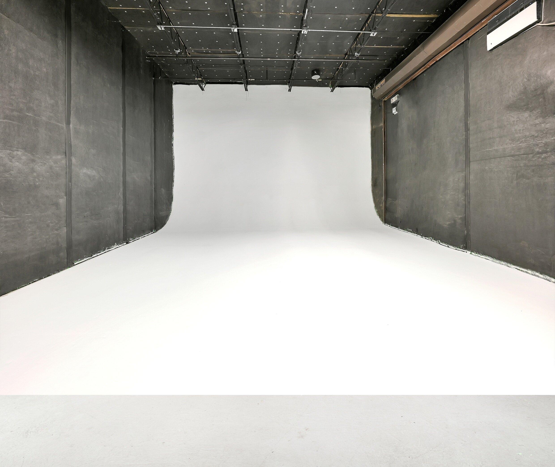 Studio 6.png