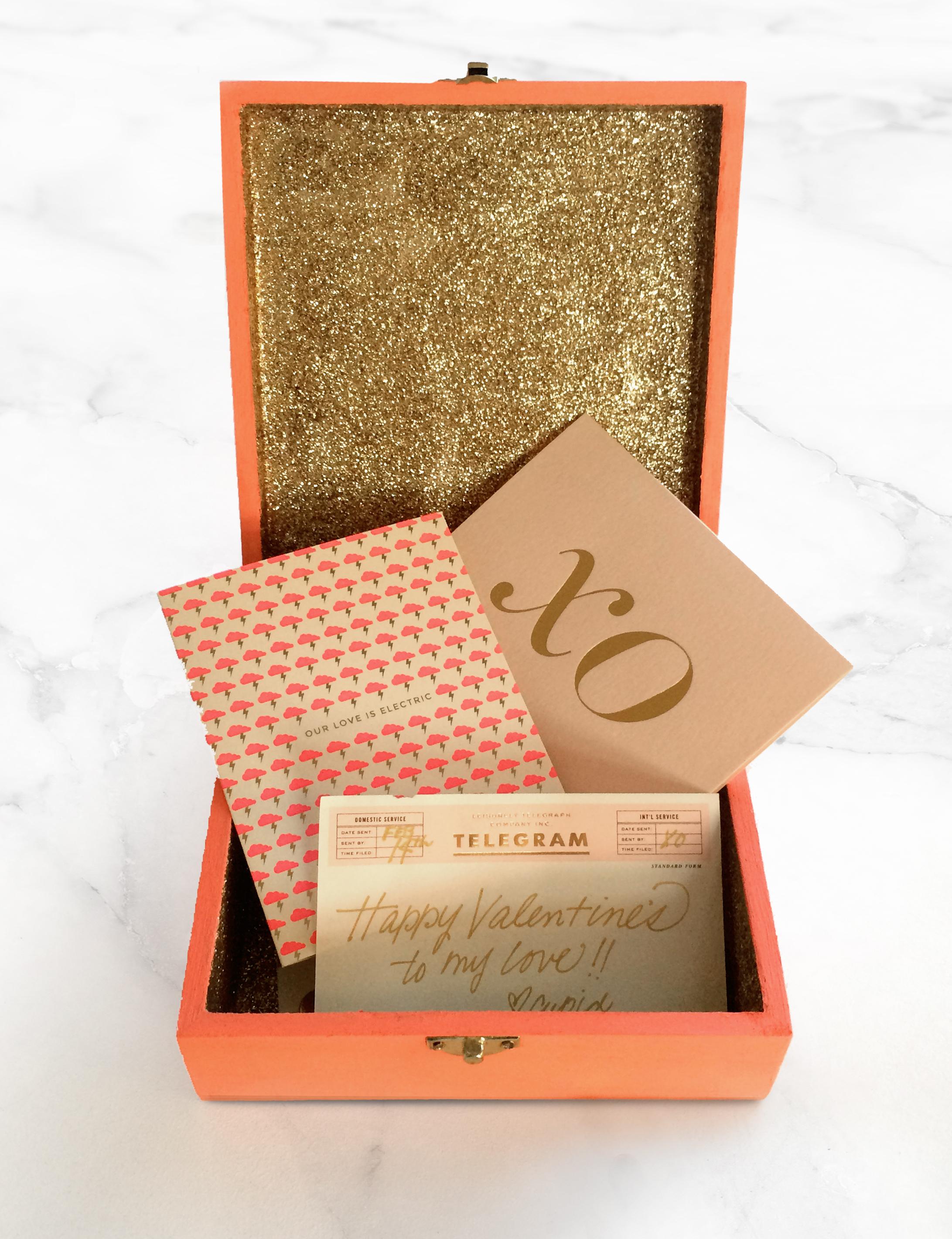 DIY Magnetic Tic-Tac-Toe Gold & Coral Box   Valentine's Day XOXO   Sugar & Gold