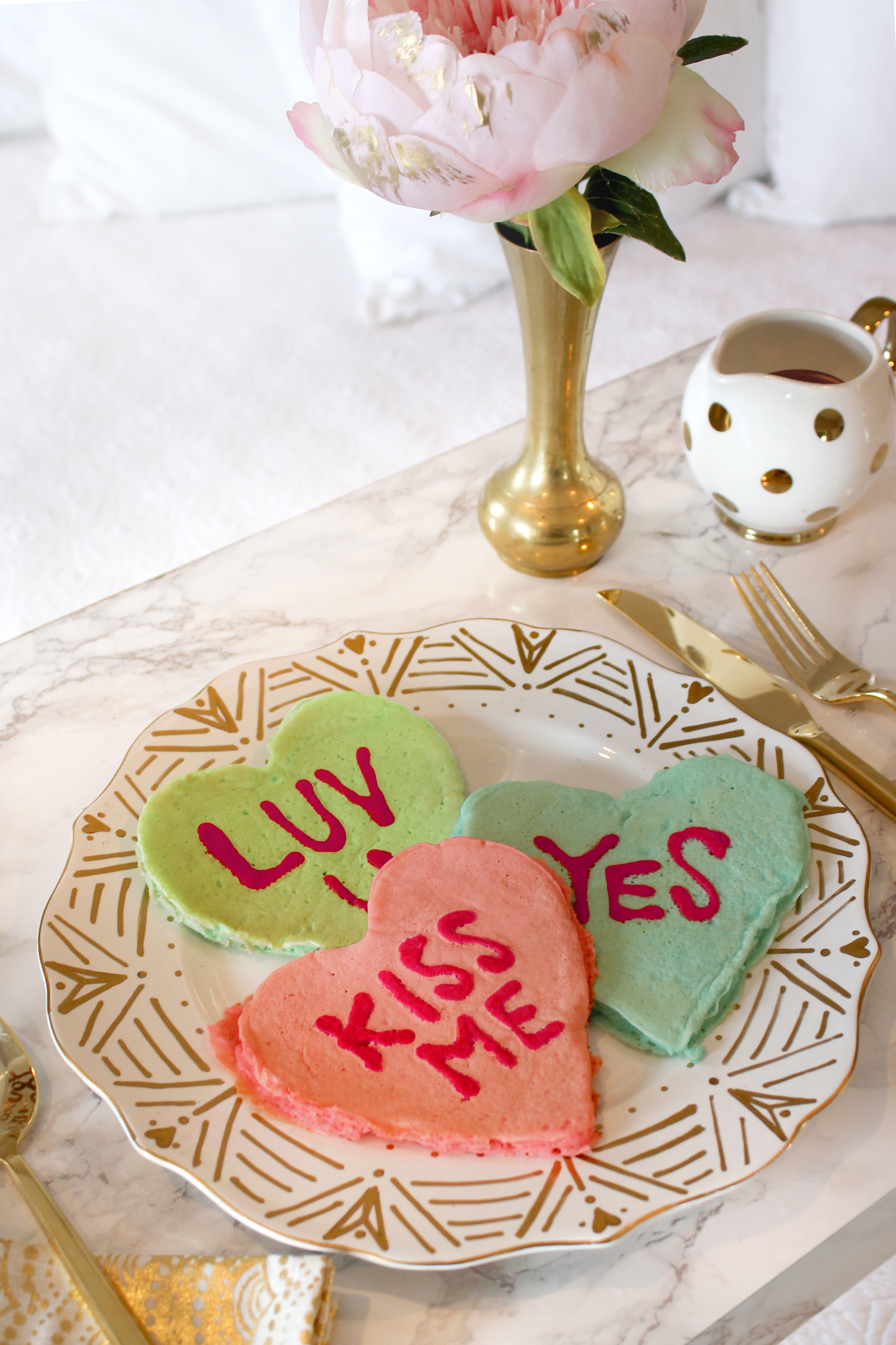 Conversation Heart Pancakes and DIY Faux Marble Bed Tray | Valentine's Day Breakfast in Bed | Sugar & Gold