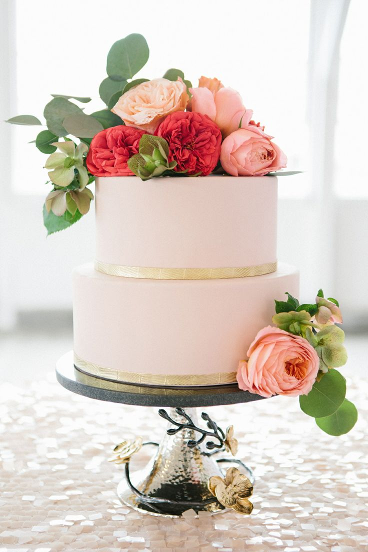 Pink and Gold by CakeHeads on Stylemepretty.com