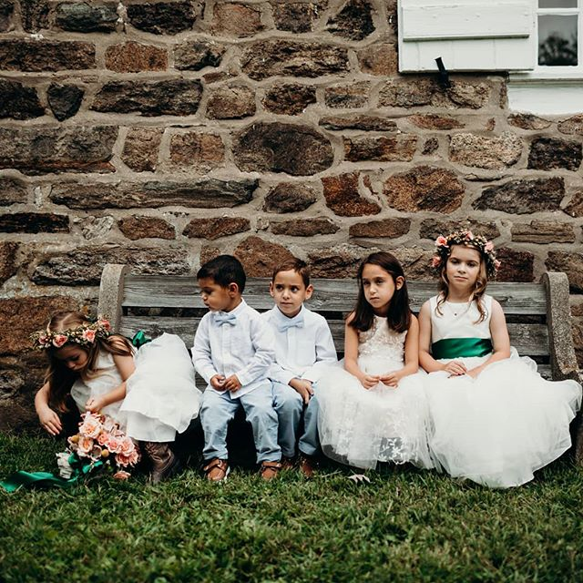 Flower Children. 📷@whenwedancephoto  @flowersbypriscilla . . . #flowergirls #fallwedding #phillywedding #realweddings #weddingphotography