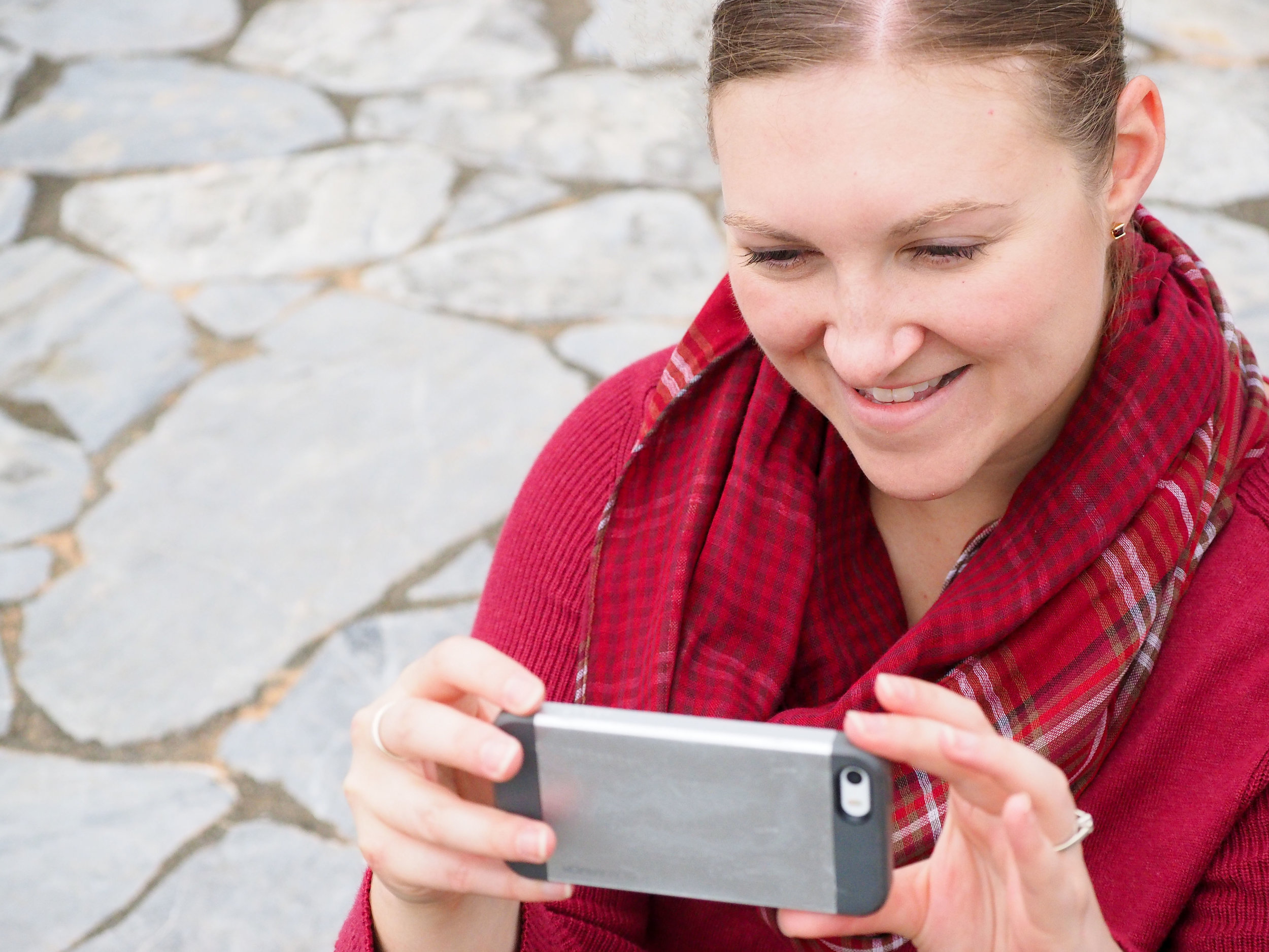 kristen leigh king taking iphone photos