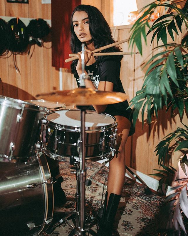 @katesantosh_ from @finesse_models_australia x @rockretroscissors x @brookekastelyn_mua x @osbornavenue x @wadewhitington x @audioreign x @barlowscharlesst x @wundenbergs.  #teo #teomag #teomagazine #musicmakers #kittensgotclaws #finessemodels #katesantosh #wundenbergsrecordingstudio #wundenbergs #adelaiderecordingstudio #audioreign #drums