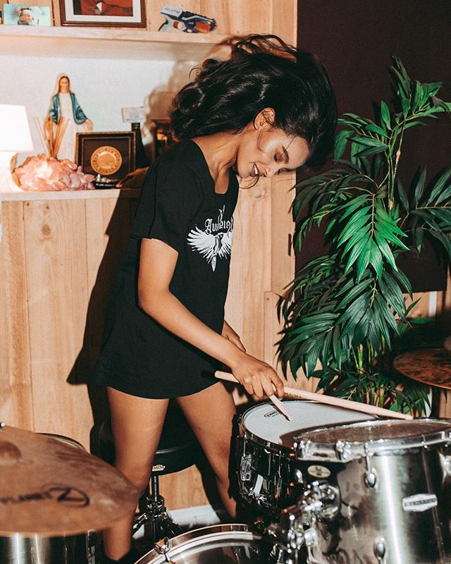 @katesantosh_ from @finesse_models_australia x @rockretroscissors x @brookekastelyn_mua x @osbornavenue x @wadewhitington x @audioreign x @barlowshoescharlesst x @wundenbergs.  #teo #teomag #teomagazine #musicmakers #kittensgotclaws #finessemodels #katesantosh #wundenbergsrecordingstudio #wundenbergs #adelaiderecordingstudio #audioreign #drums