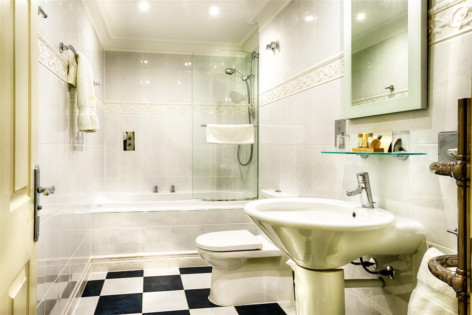 Modern En-Suite