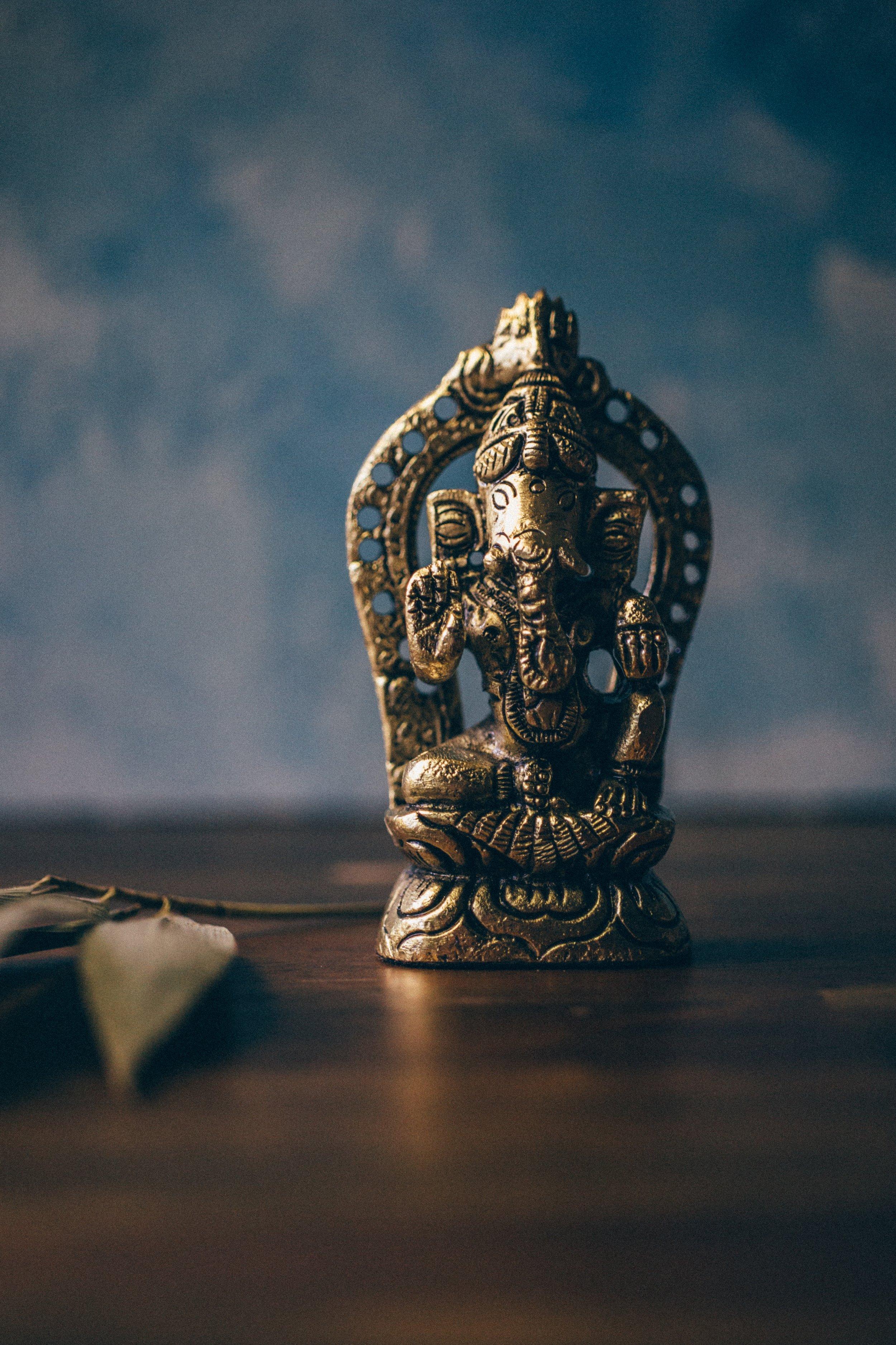 laura-olsen-414141-unsplash.jpgEssensprogram intuition essens kundalini yoga program online nickoline camille meditation yoga selvværd selvtillid mantra hjem til dig selv din kerne
