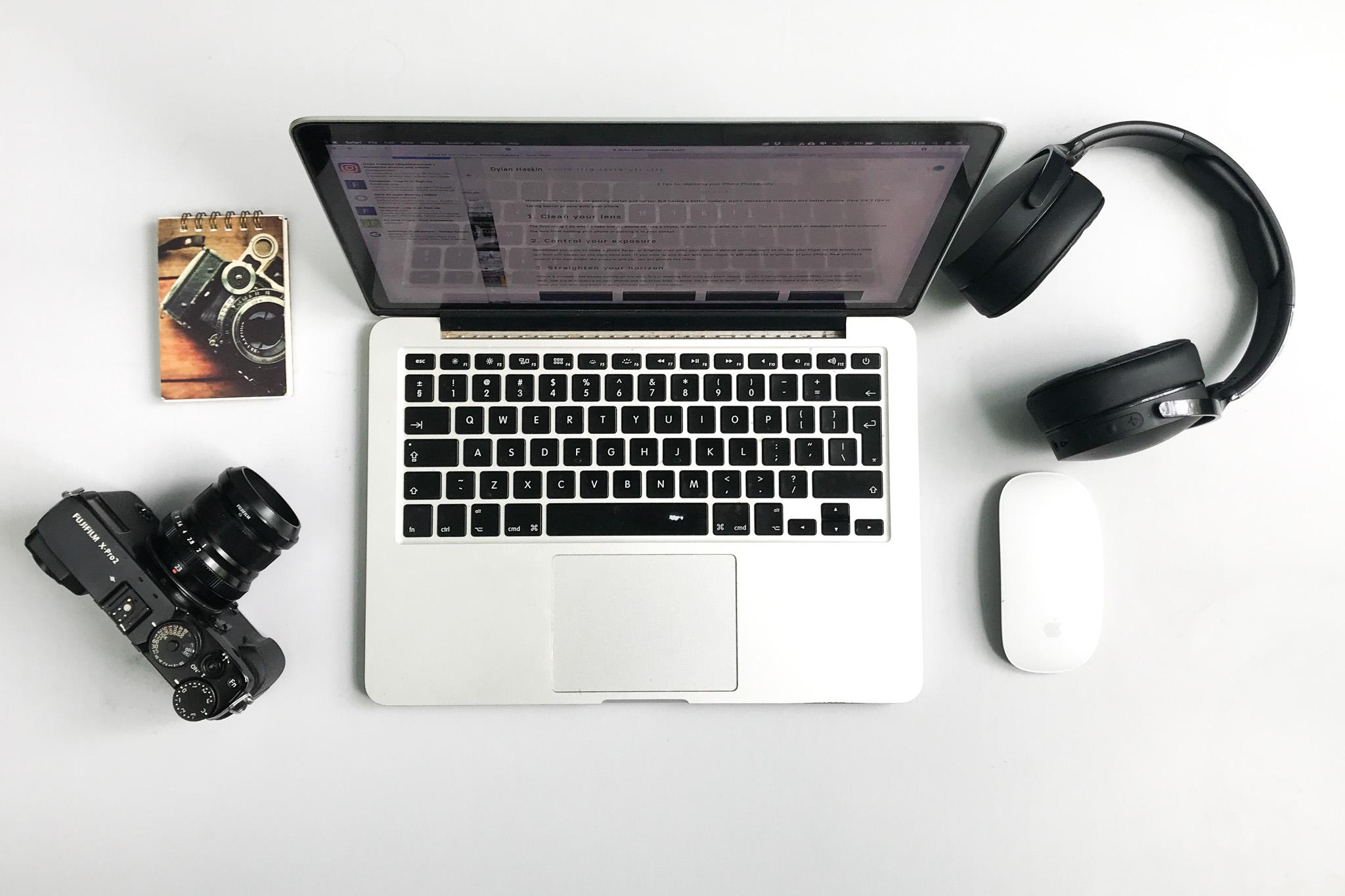 Macbook pro flatlay