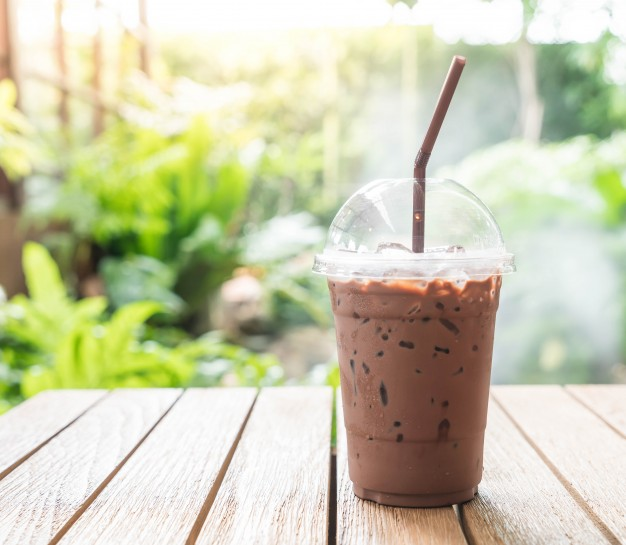 iced-chocolate-in-cafe_1339-7093.jpg