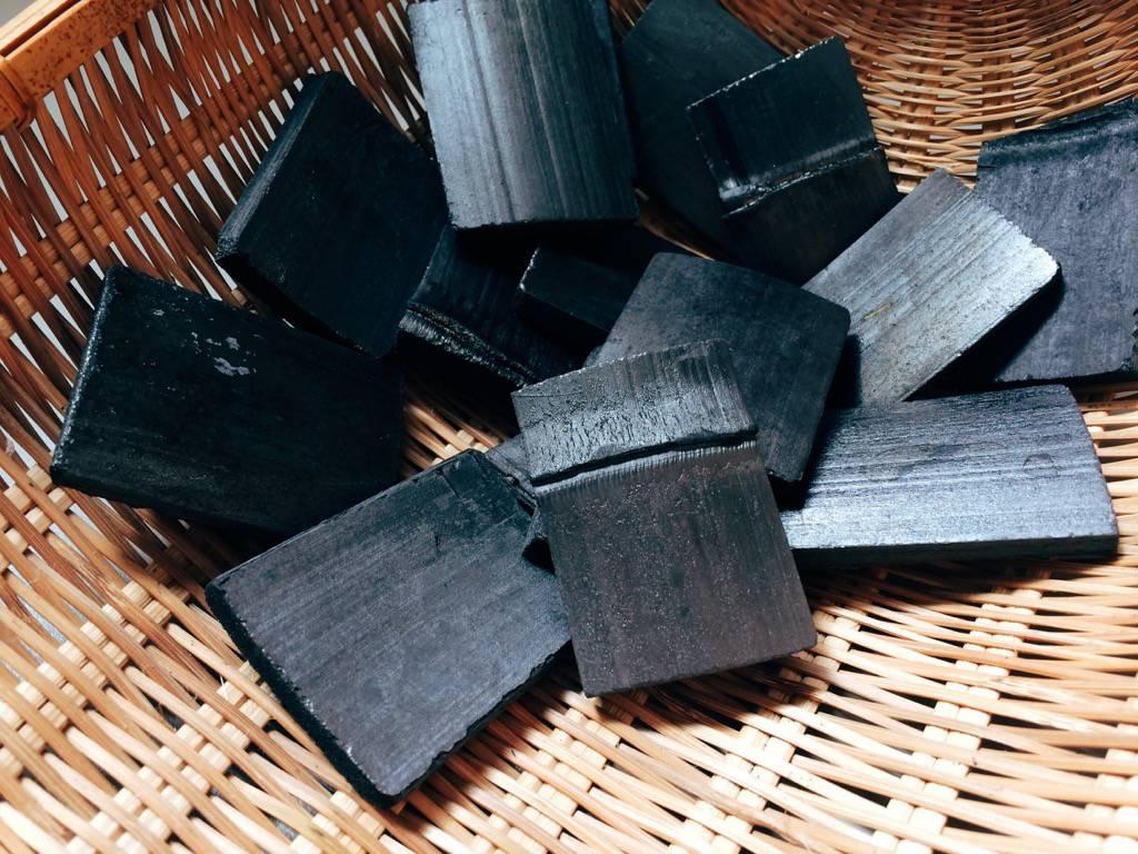 潔淨水質竹炭完整大塊