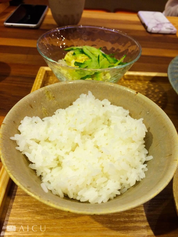 以友善農法栽植的雪福米,是日本越光米的改良品種,口感Q彈甜美,建議可以先單品白米飯再配菜吃。