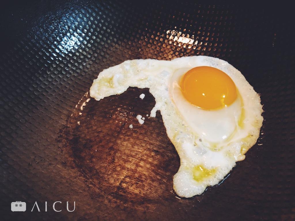 好蛋有三層 - 蛋黃、蛋白和蛋清。