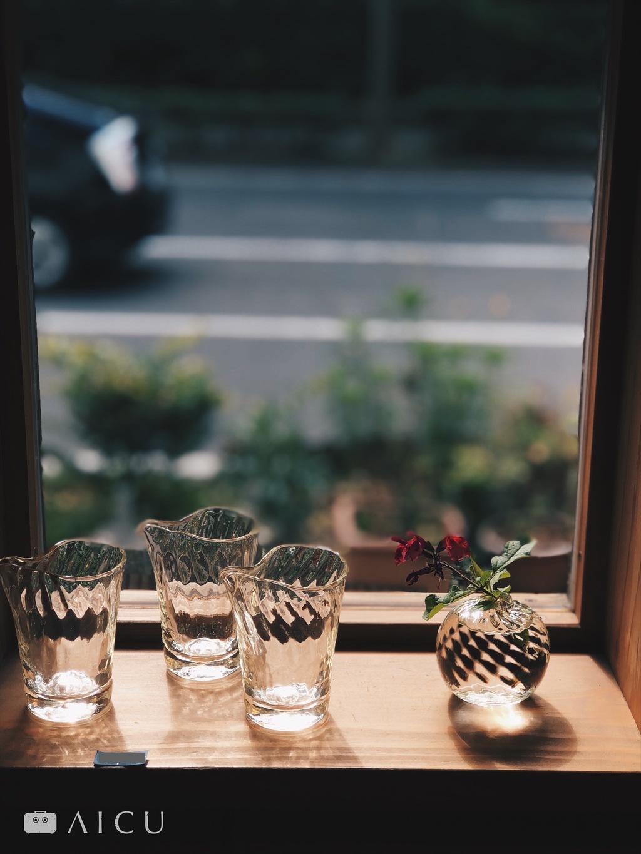 玻璃茶海放在窗邊就是最美的窗景。