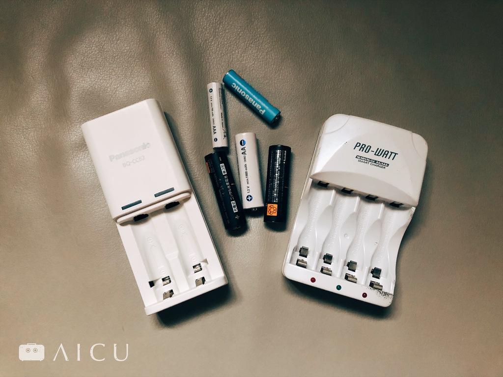 常備3號AA電池、4號AAA電池以及充電座,基本上就可以滿足家中電池大部分需求。