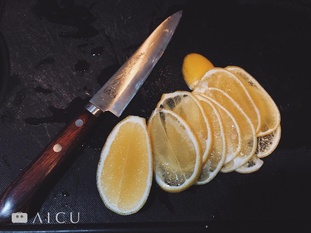 薄片檸檬做冷飲 - 因為鋒利,所以省力。
