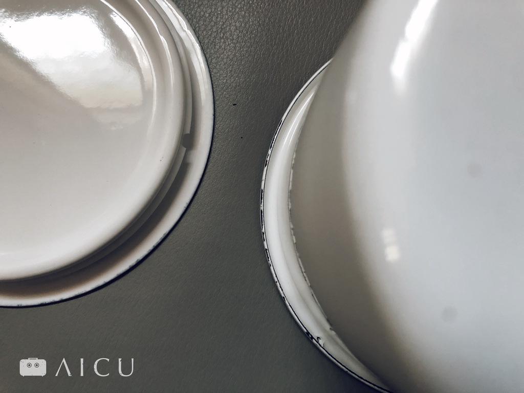 琺瑯產品的邊緣因為製程之故,有的直平,有的會彎曲。
