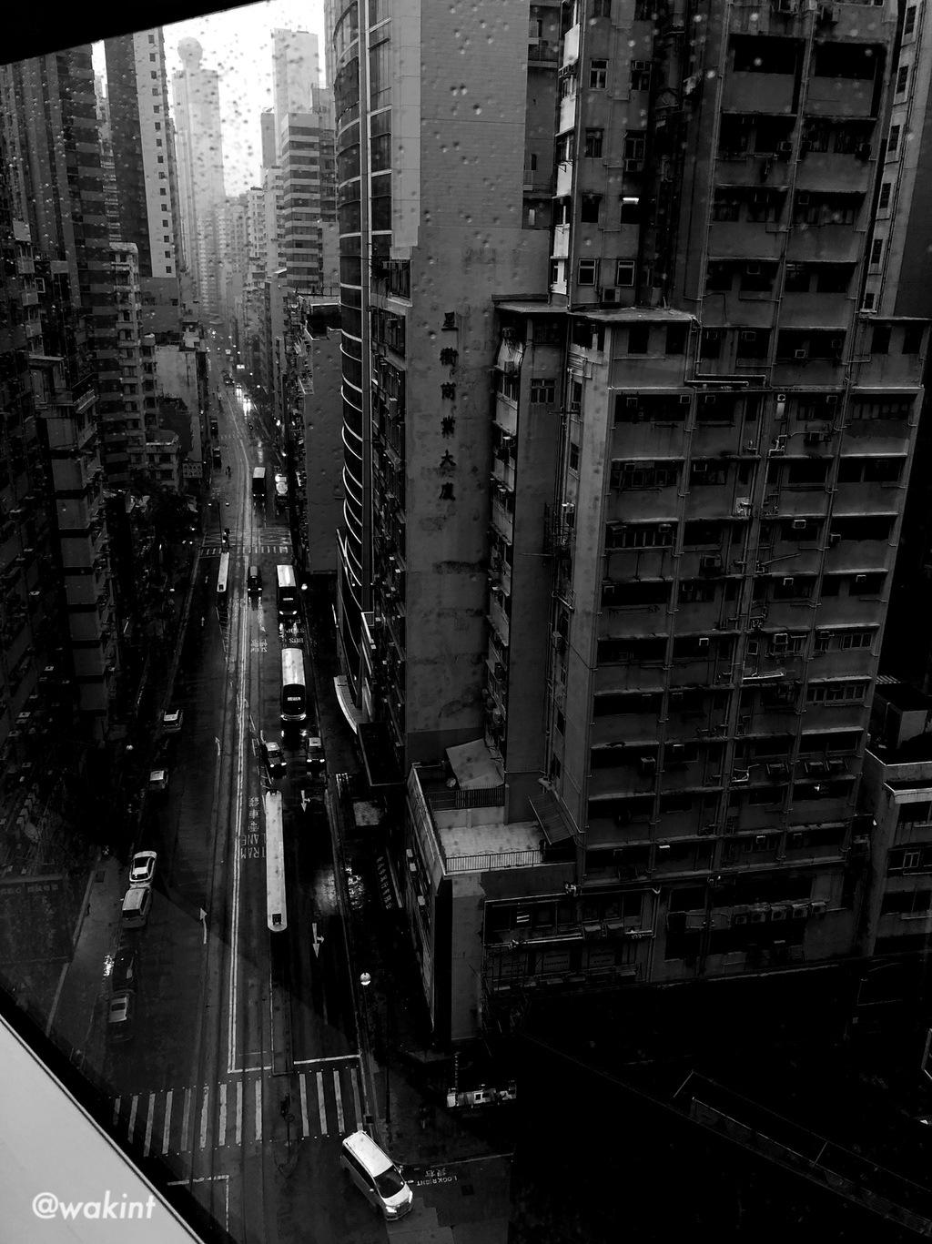 但此刻在香港街頭喝上一杯竹蔗茅根馬蹄水卻是種奢求了。