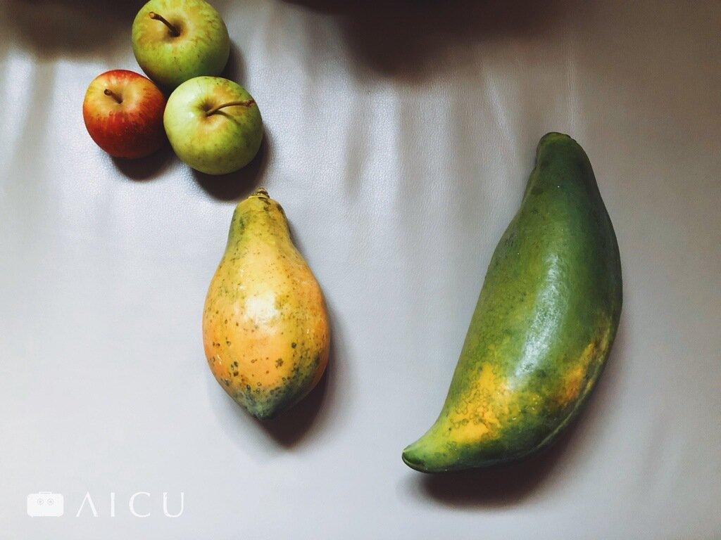 右邊最下邊彎彎有角者就是公木瓜。