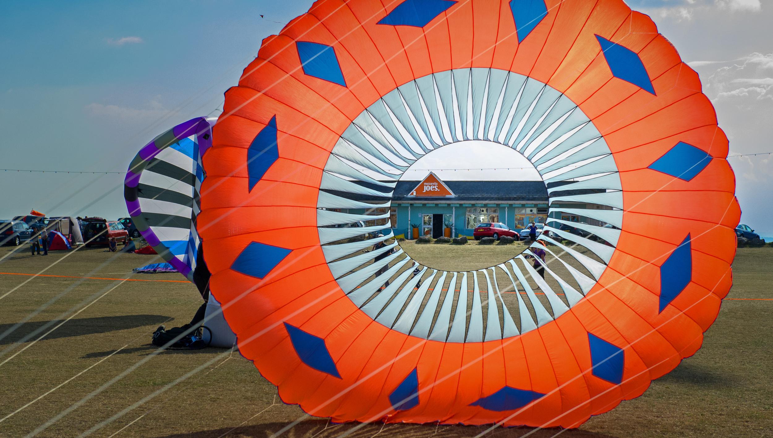 Kite Festival in front of Mozzarella Joes