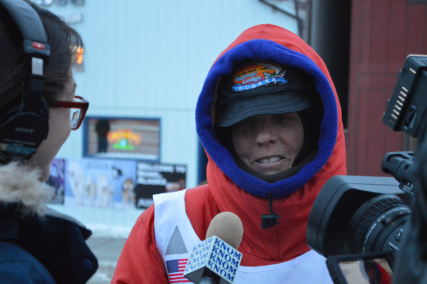 Cindy Abbott finishes the Iditarod while suffering from Wegener's Disease