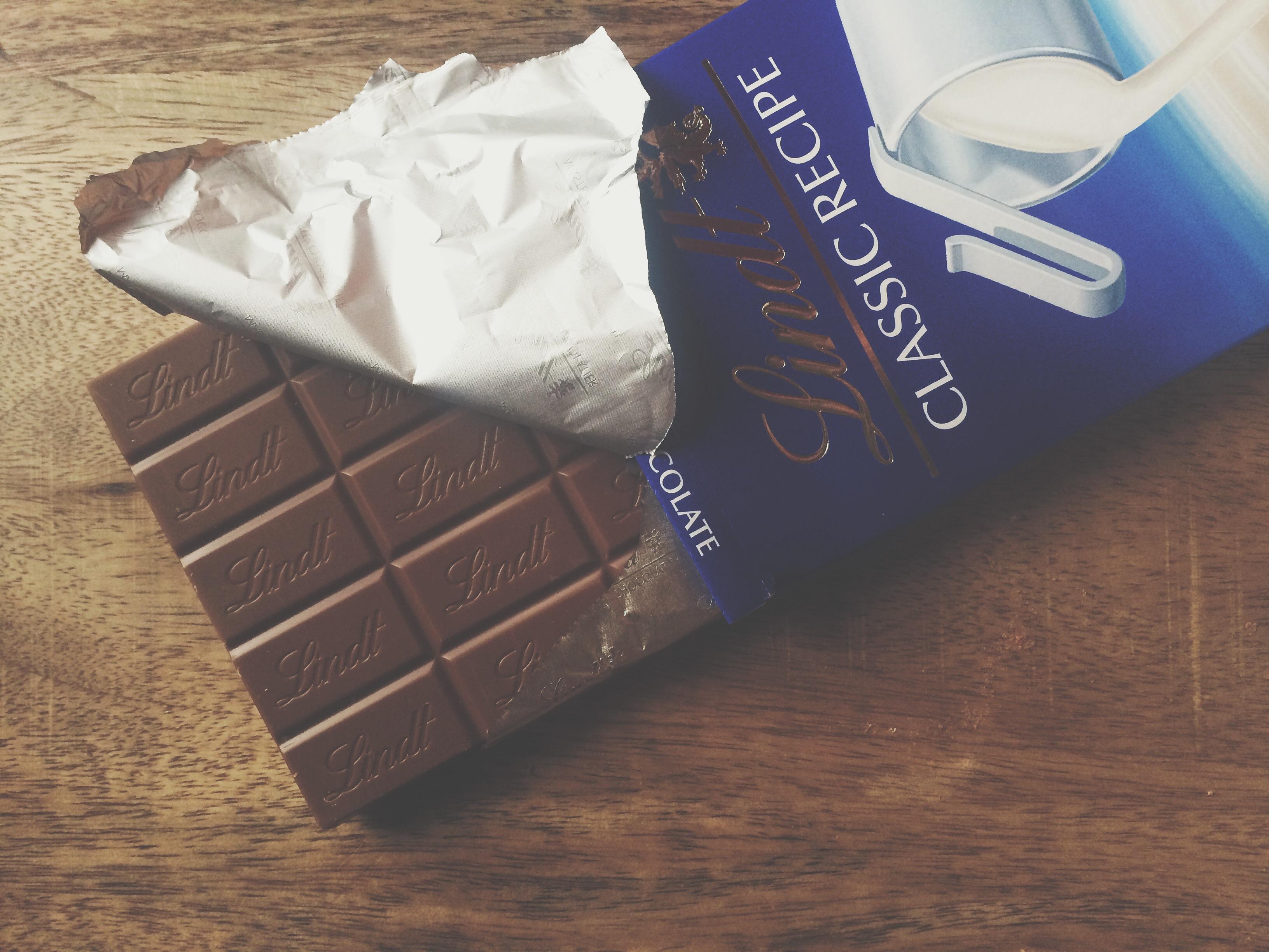 Mom's favorite is Lindt milk chocolate, so milk it was.