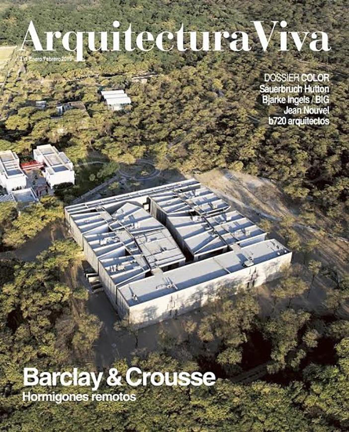 Aulario Universidad de Piura, Museo Paracas, Casa C3 y Edificio NU en Arquitectura Viva 211