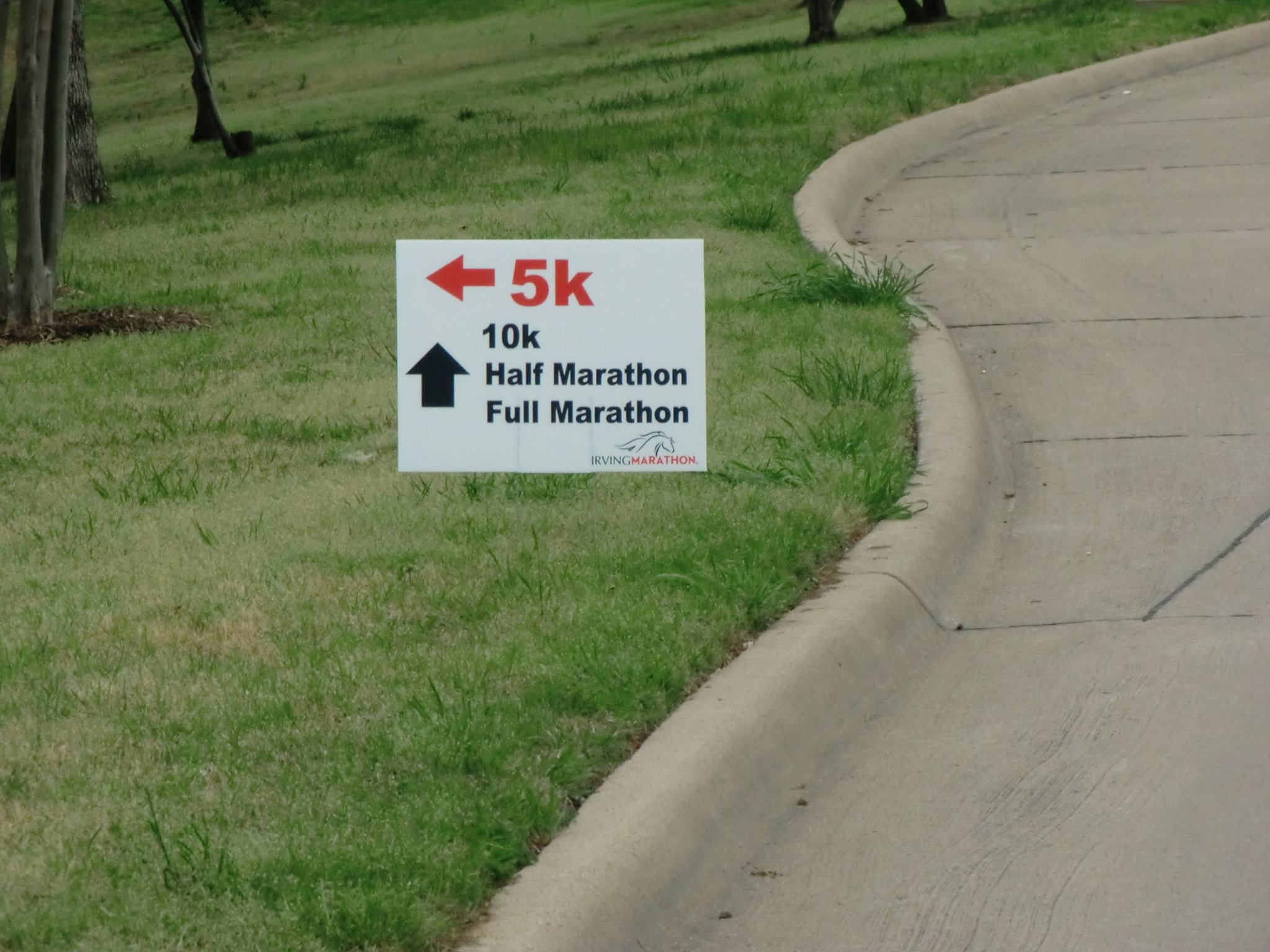 irving marathon signs.jpg