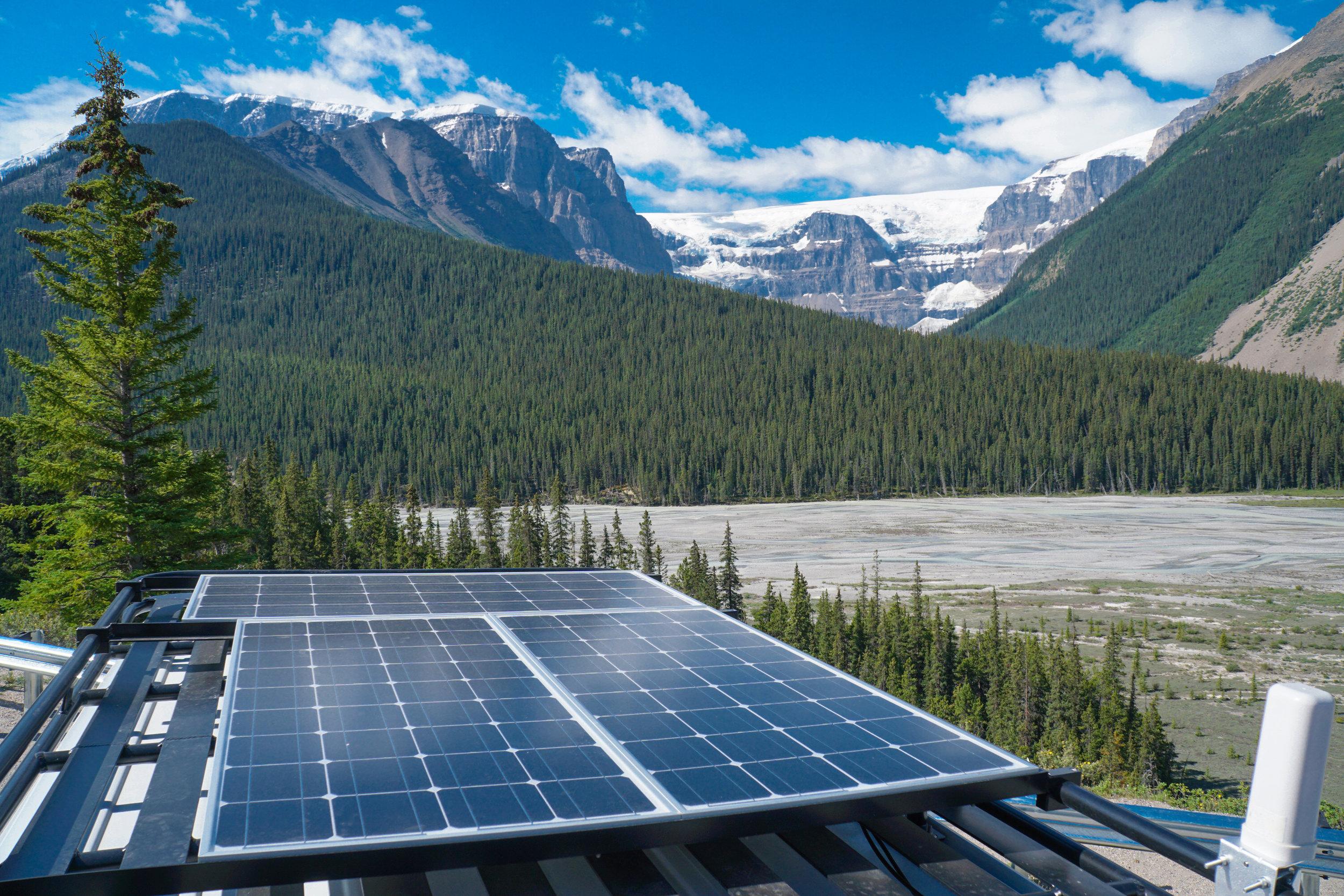 mercedes sprinter camper van conversion solar panel renogy mount aluminess rack jasper national park