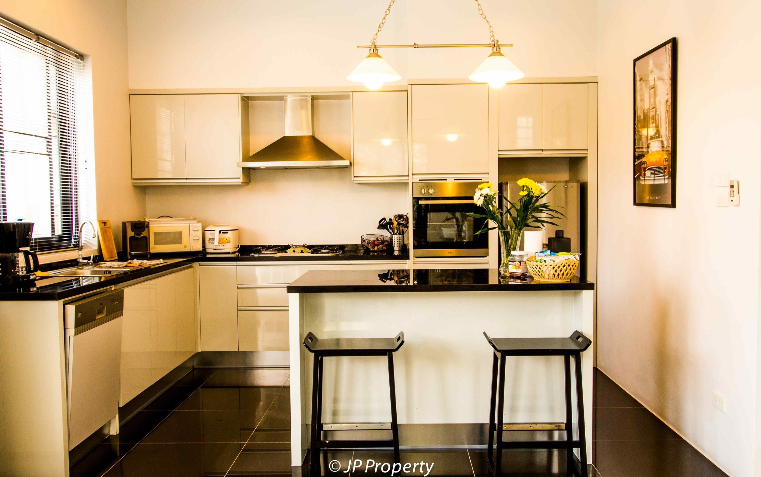 TW77-Kitchen-1250380.jpg