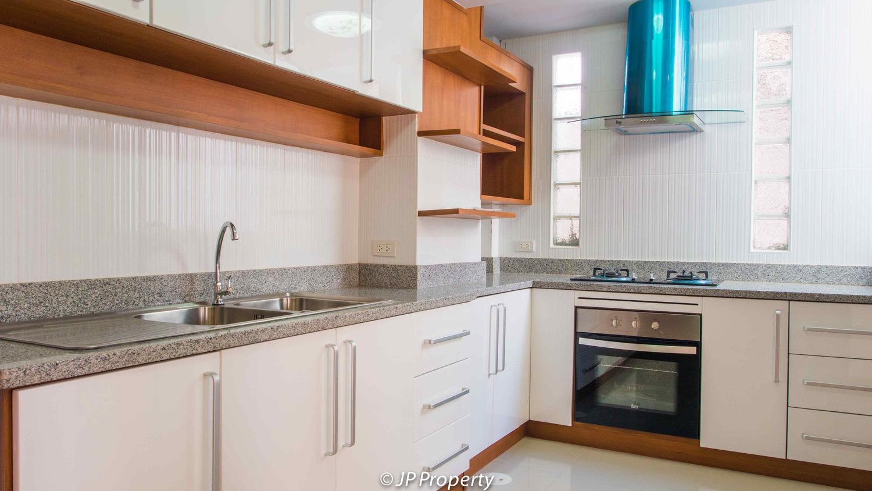 388-154-Kitchen-7150019.jpg